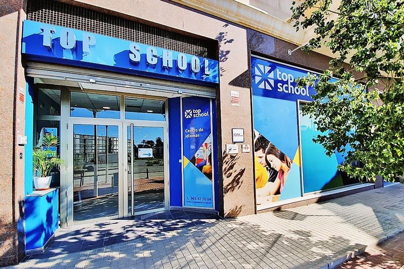 Fachada academia de inglés en Elche Top School