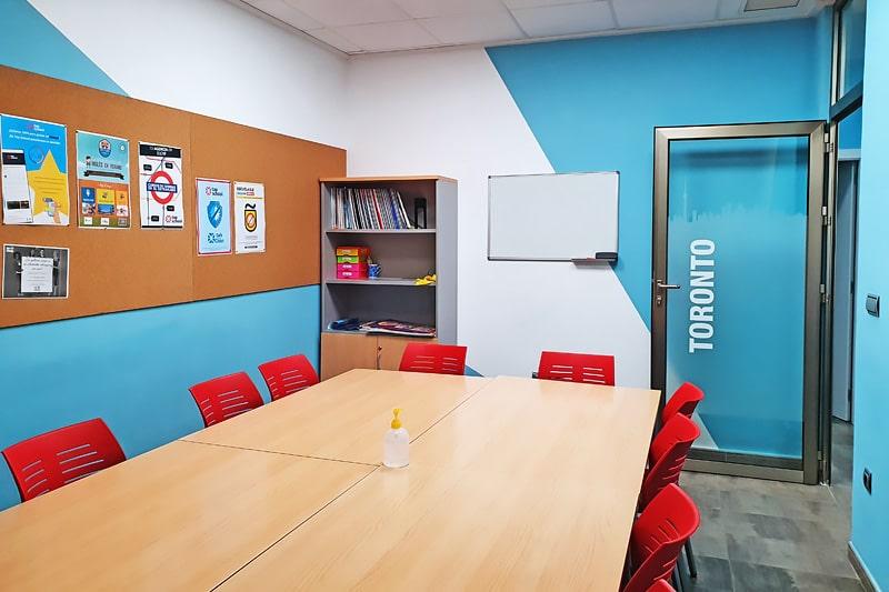 Aula 7 academia de inglés en Elche Top School