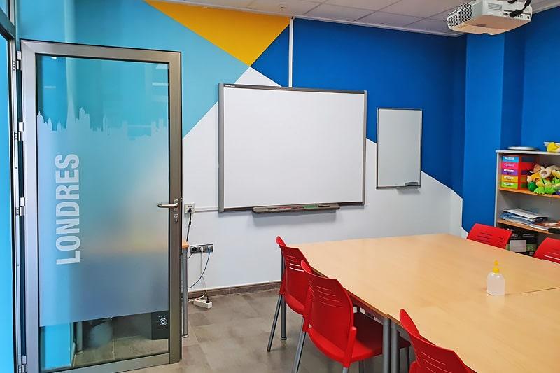 Aula 2 academia de inglés en Elche Top School