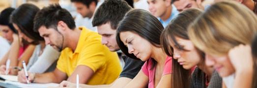 Cursos de inglés intensivos de verano en Elche en la academia Top School