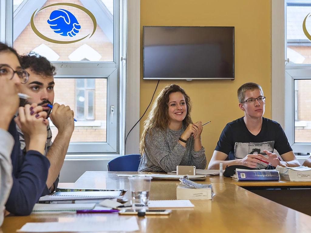 Active Centre of English Training ACET Cork | Escuela de inglés en Cork 4