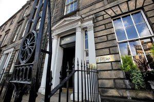 Escuela de inglés en Edimburgo | Basil Paterson Edinburgh 16