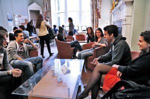 Escuela de inglés en Edimburgo | Basil Paterson Edinburgh 5