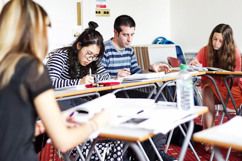Escuela de inglés en Edimburgo | Basil Paterson Edinburgh 8