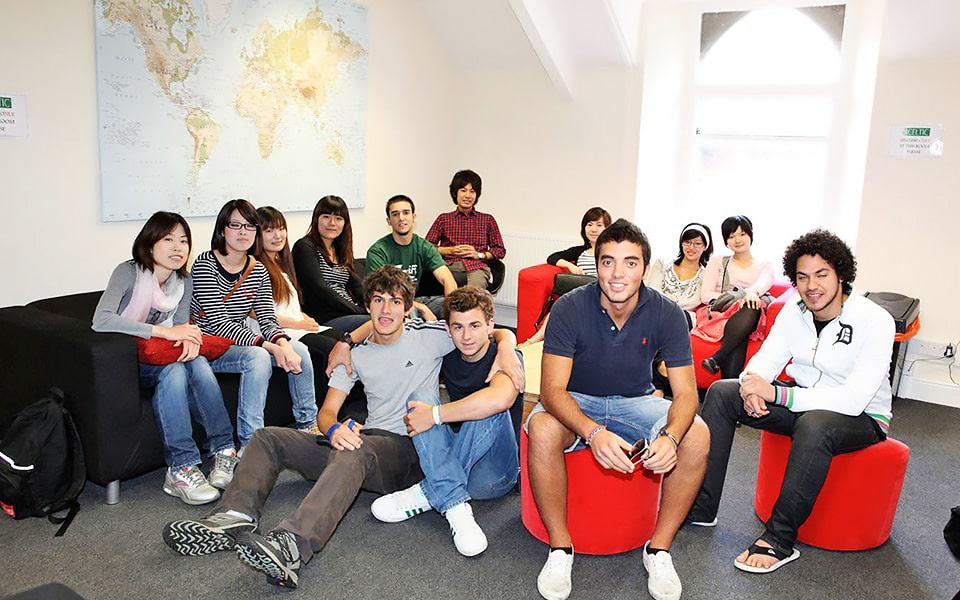 Escuela de inglés en Cardiff | Celtic English Academy Cardiff 5