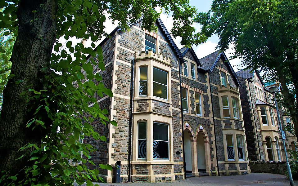 Escuela de inglés en Cardiff | Celtic English Academy Cardiff 7
