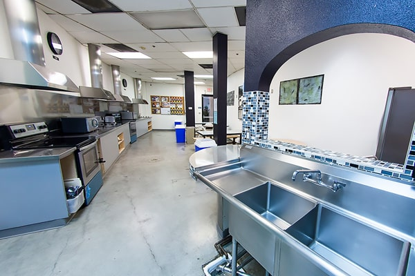 Alojamiento escuela de inglés CISL Converse San Diego: Vantaggio State Street Apartments 2