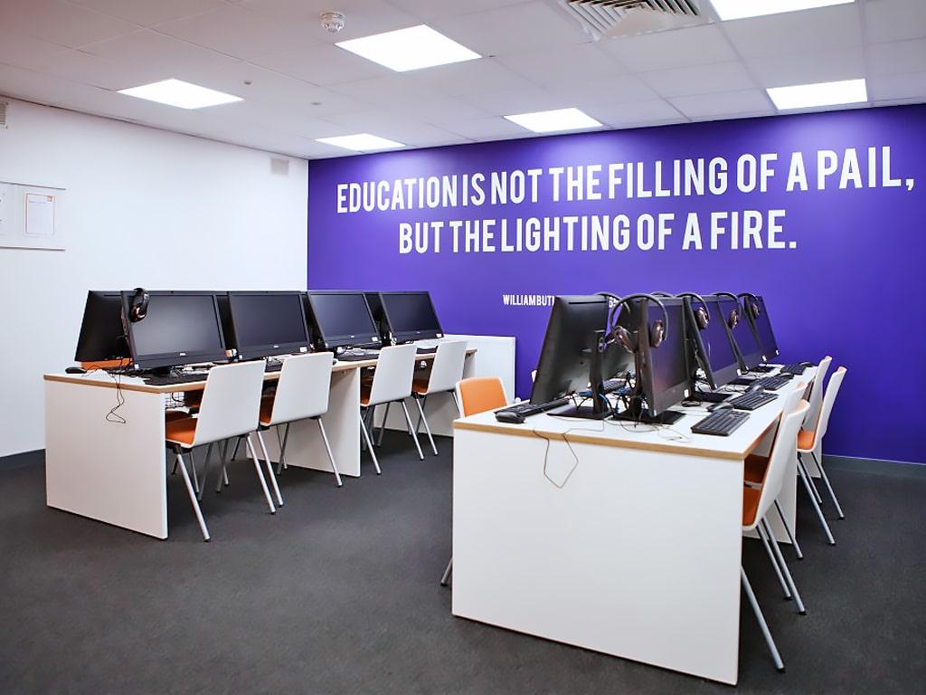 Escuela de inglés en Dublín para mayores de 30 años | EC English Dublin 30+ 6