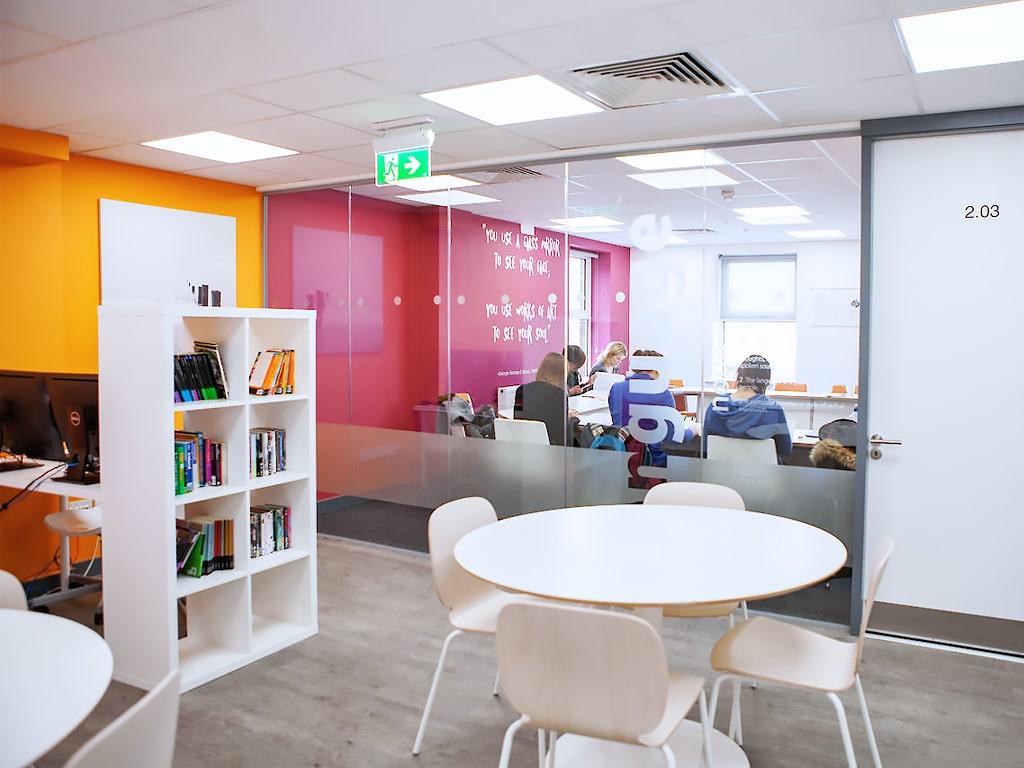 Escuela de inglés en Dublín   EC English Dublin 4