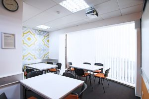 Escuela de inglés en Saint Julian's para mayores de 30 años | EC English 30+ 17