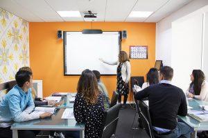 Escuela de inglés en Saint Julian's para mayores de 30 años | EC English 30+ 6