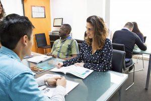 Escuela de inglés en Saint Julian's para mayores de 30 años | EC English 30+ 9