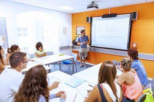 Escuela de inglés en Saint Julian's   EC English Malta 2