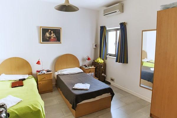 Alojamiento escuela de inglés EC English Malta 30+: Apartamento compartido estándar 2