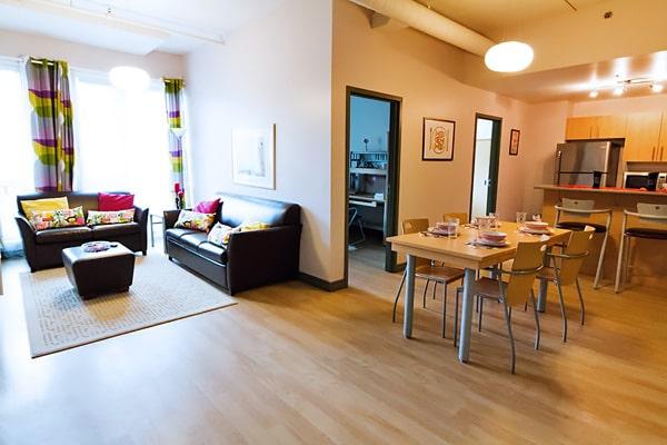 Alojamiento escuela de inglés y francés EC English Montreal: Apartamento compartido superior La Marq au 515 2