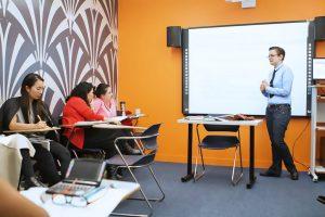 Escuela de inglés en Nueva York para mayores de 30 años | EC English New York 30+ 14