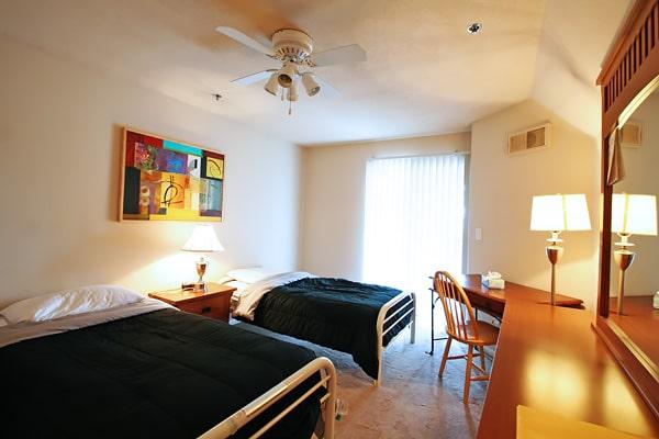 Alojamiento escuela de inglés EC English San Diego: Aparthotel superior Costa Verde Village 1