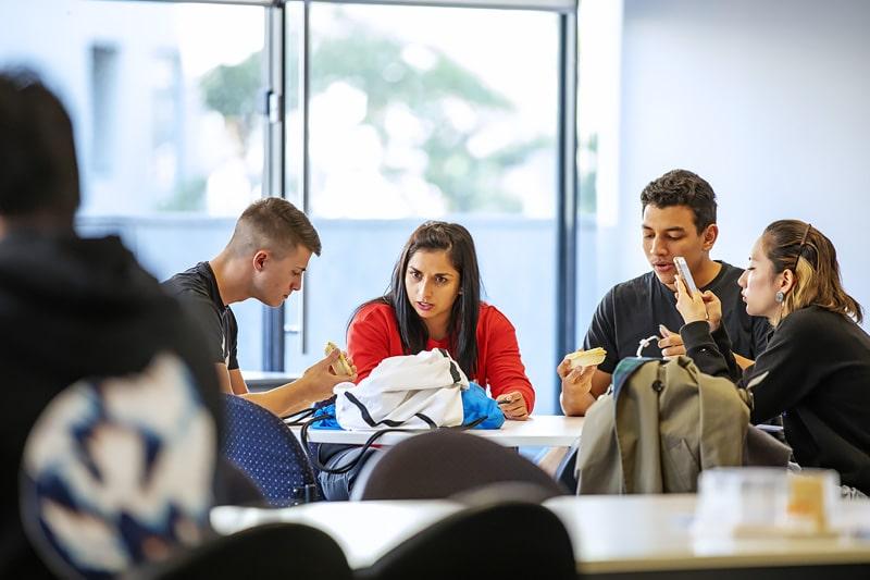 Escuela de inglés en Sídney | EC English Sydney 8