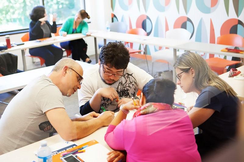 Escuela de inglés en Toronto para mayores de 30 años | EC English Toronto 30+ 7