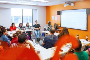 Escuela de inglés en Toronto para mayores de 30 años | EC English Toronto 30+ 8