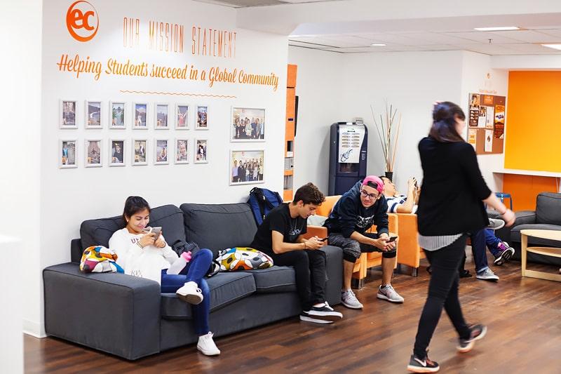 Escuela de inglés en Vancouver   EC English Vancouver 5