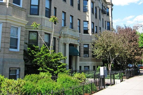 Alojamiento escuela de inglés ELC Boston | English Language Center: Casa de estudiantes ESL Townhouse 2