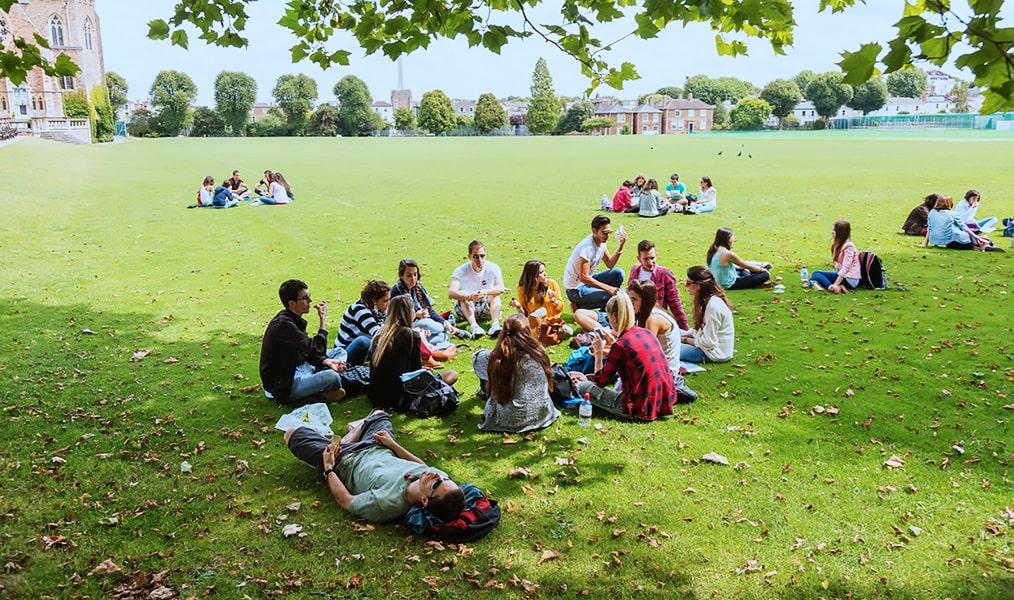 Escuela de inglés intensivo en Bristol | ELC The English Language Centre 10