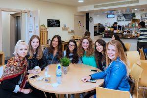 Escuela de inglés intensivo en Bristol | ELC The English Language Centre 14