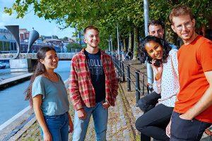 Escuela de inglés intensivo en Bristol | ELC The English Language Centre 5
