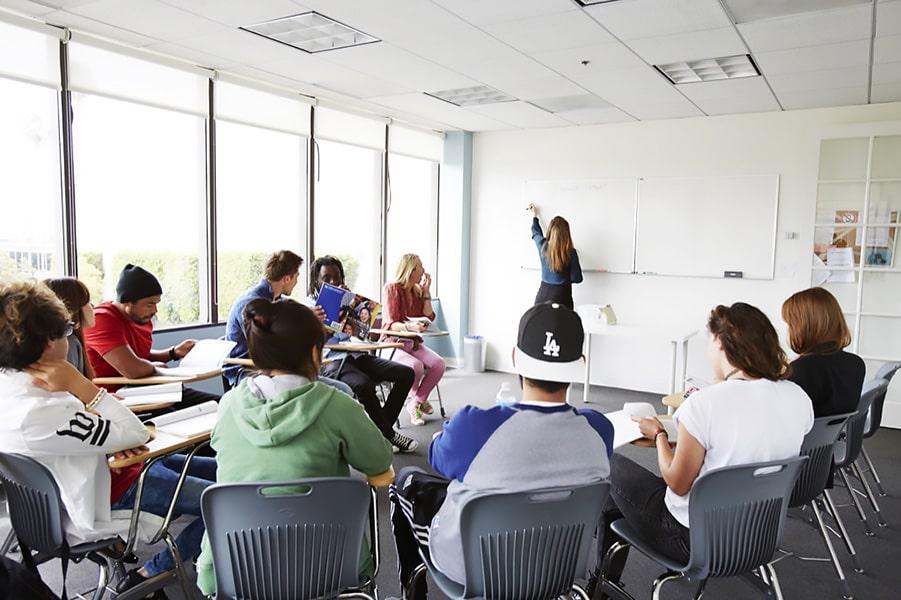 Escuela de inglés en Los Ángeles | English Language Center ELC Los Angeles 4