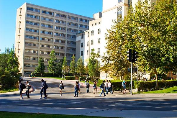Alojamiento escuela de inglés ELC Los Angeles | English Language Center: Residencia de verano UCLA 1
