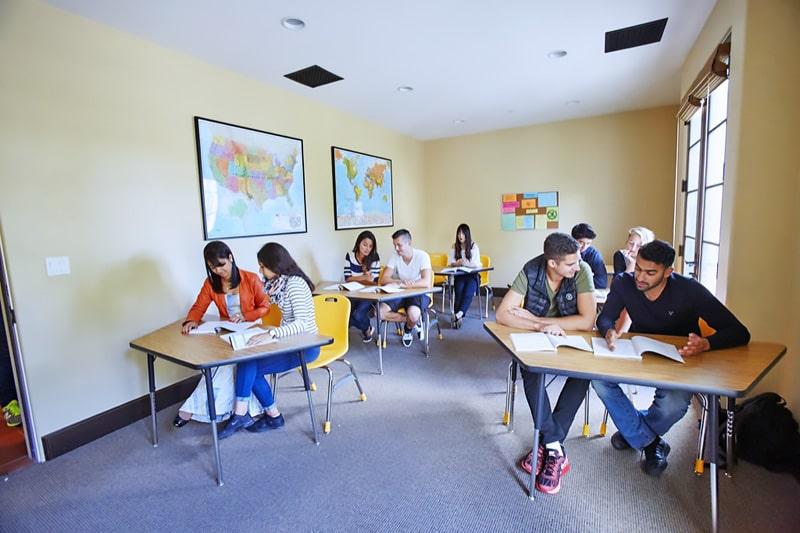 Escuela de inglés en Santa Bárbara | English Language Center ELC Santa Barbara 10