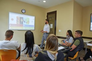 Escuela de inglés en Santa Bárbara | English Language Center ELC Santa Barbara 15