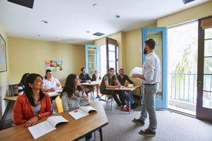 Escuela de inglés en Santa Bárbara | English Language Center ELC Santa Barbara 3