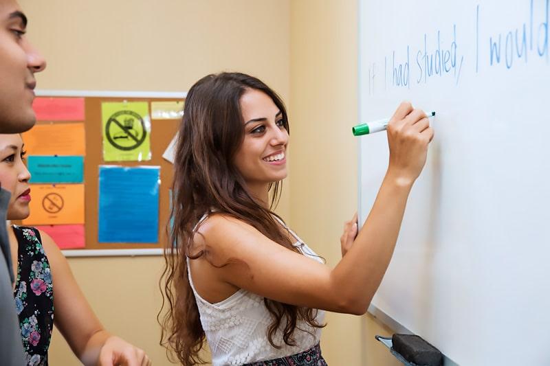Escuela de inglés en Santa Bárbara | English Language Center ELC Santa Barbara 4