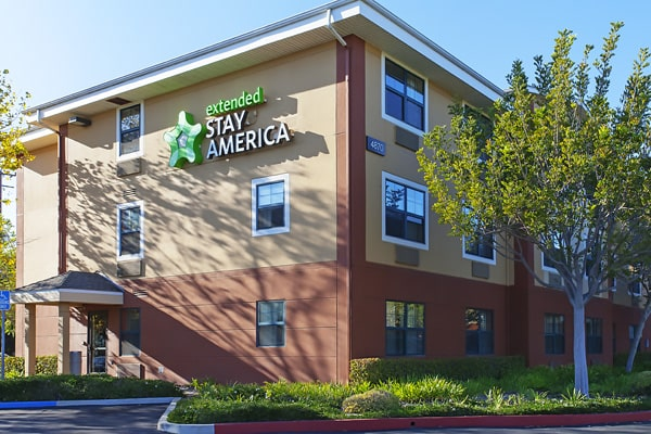 Alojamiento escuela de inglés ELC Santa Barbara | English Language Center: Residencia Santa Bárbara 4