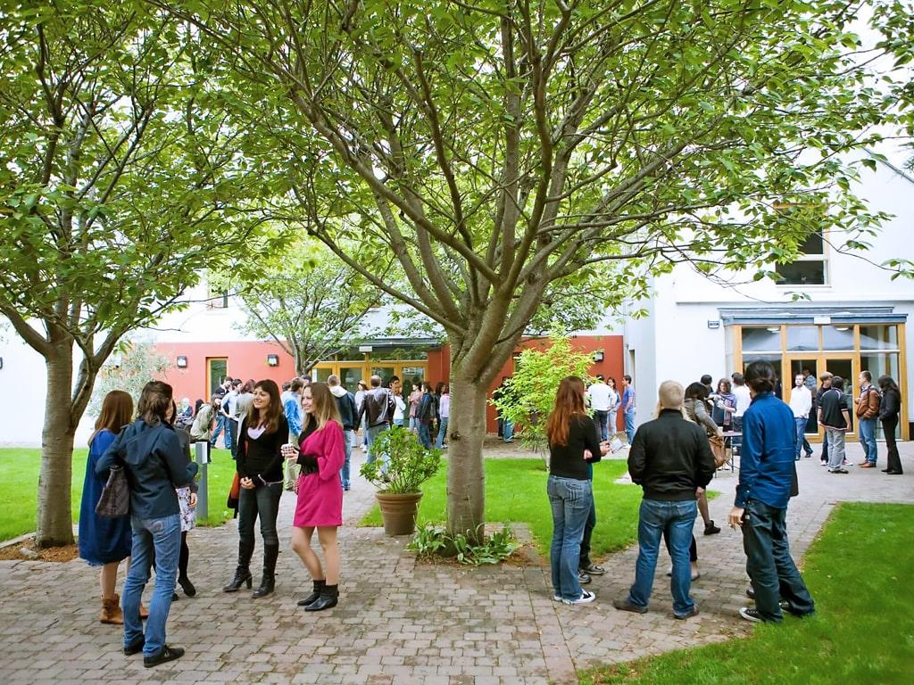 Emerald Cultural Institute | Escuela de inglés en Dublín 4