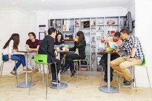 English in Totnes   Escuela de inglés en Totnes 4