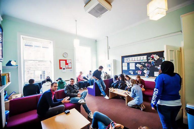Escuela de inglés en York | EiY English in York 6