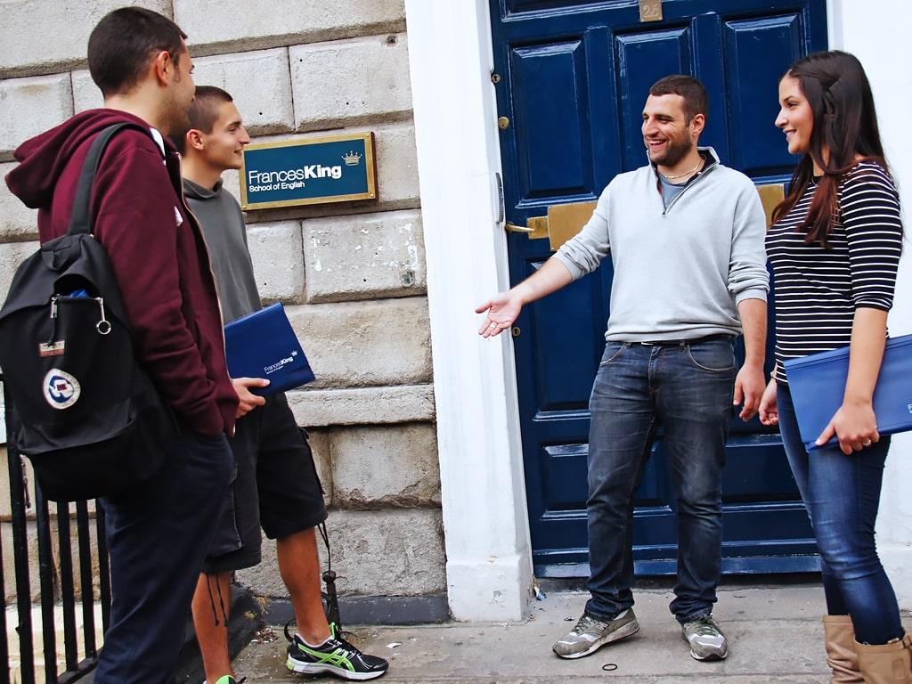 Escuela de inglés en Dublín | Frances King School of English Dublin 3