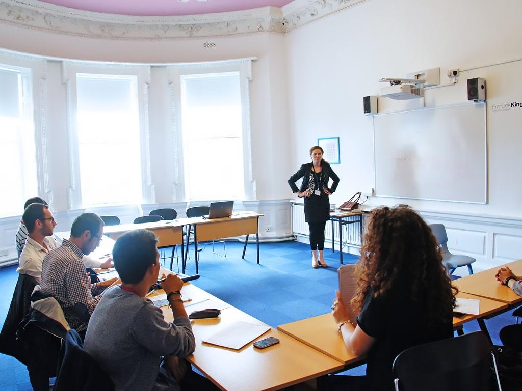 Escuela de inglés en Dublín | Frances King School of English Dublin 6