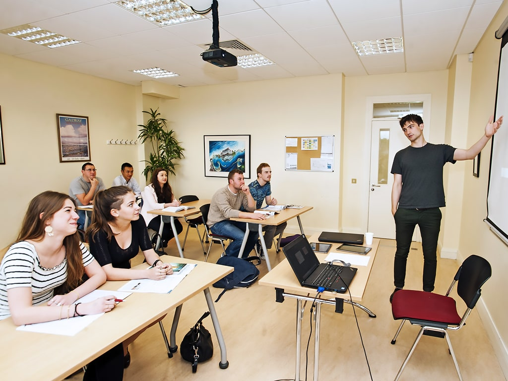 Escuela de inglés en Galway | GCI Galway Cultural Institute 1