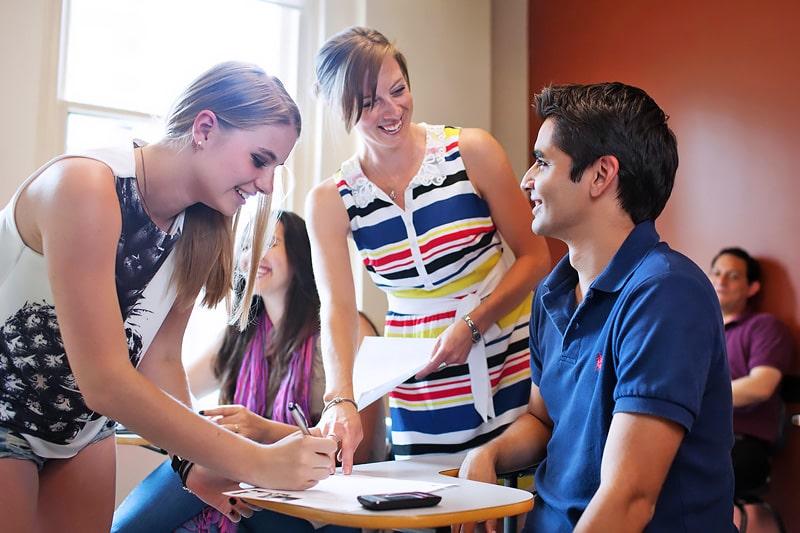 Escuela de inglés en Calgary | Global Village Calgary 9