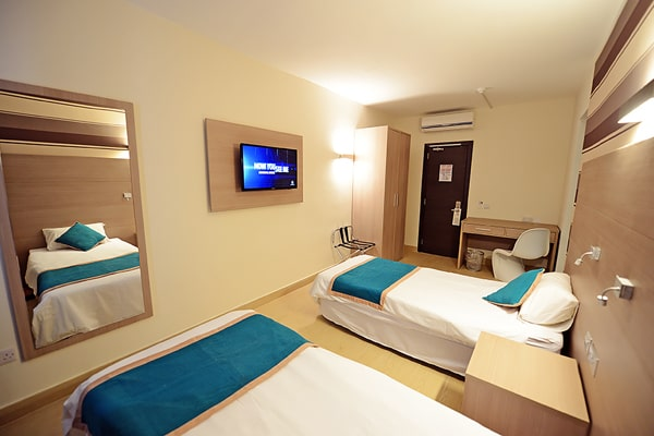 Alojamiento escuela de inglés LAL Sliema: Days Inn Hotel Room 4