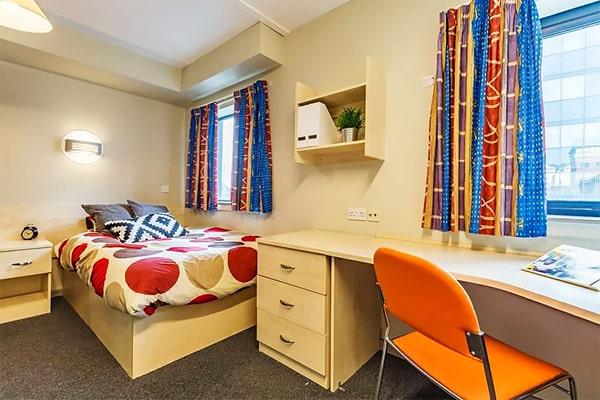 Alojamiento escuela de inglés Meridian School of English Plymouth: Residencia St. Thomas Court 2