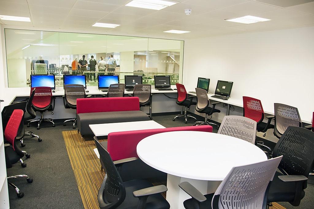 Escuela de inglés en Manchester | NCG Manchester New College Group 4