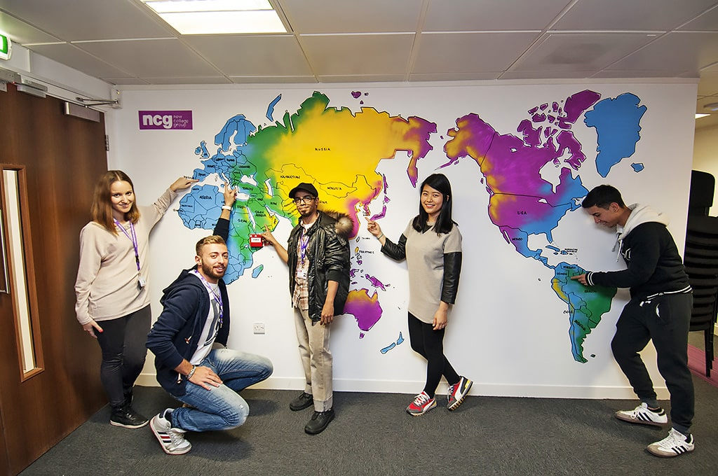 Escuela de inglés en Manchester | NCG Manchester New College Group 6
