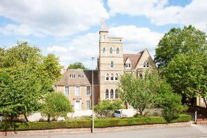 Escuela de inglés para profesionales en Oxford | The Oxford English Centre OEC 1