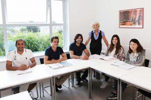 Escuela de inglés en Torquay | TIS Torquay International School 15