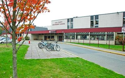 Colegio público DW Poppy Secondary School en Langley, British Columbia